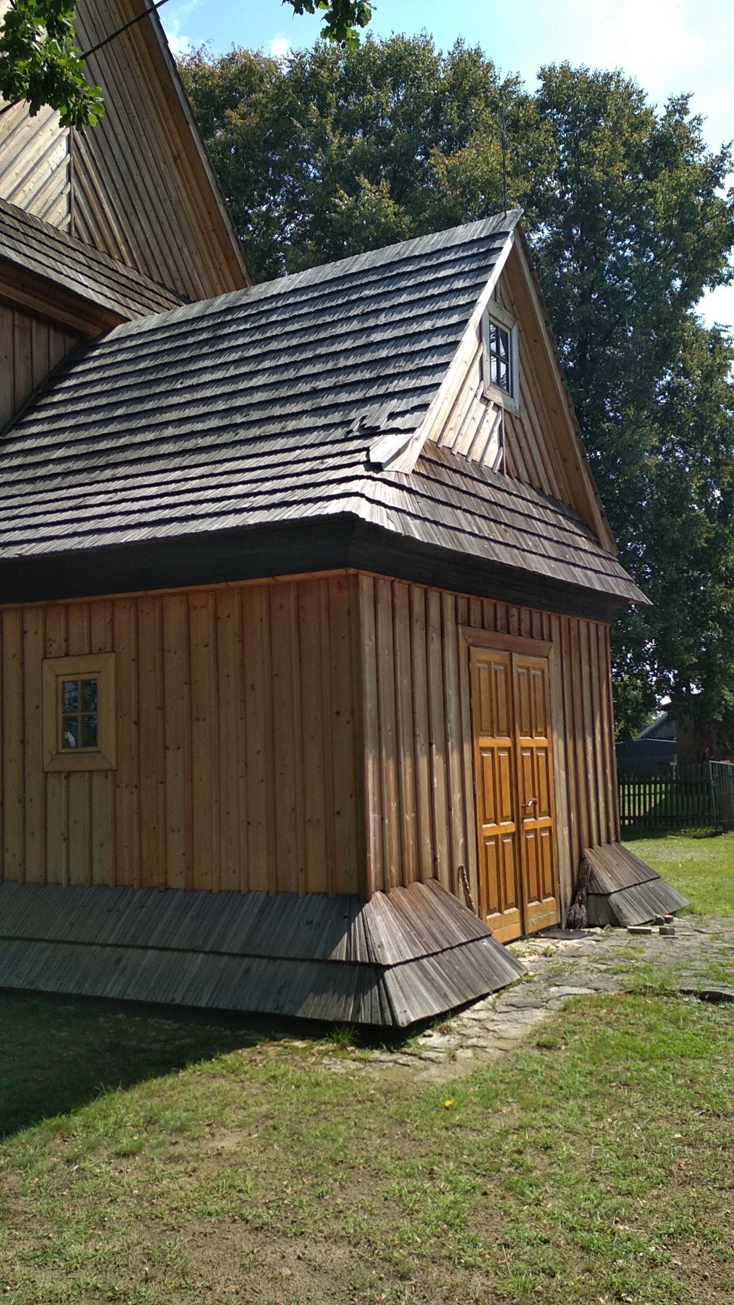 Łukawiec – Drewniany kościół parafialny